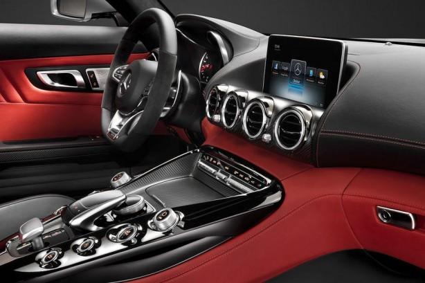 Mercedes-AMG-GT-interior-photo-centre-console