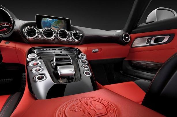 Mercedes-AMG-GT-interior-photo-centre-console2