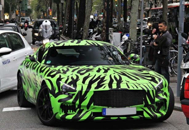 Mercedes-AMG-GT-spy-photo-green-camouflage-front-quarter