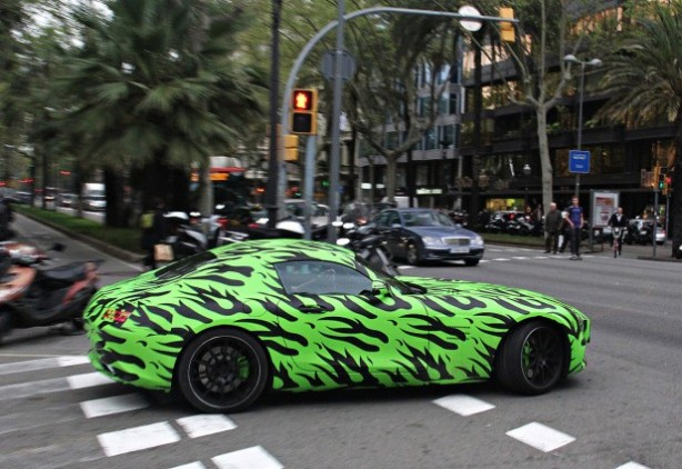 Mercedes-AMG-GT-spy-photo-green-camouflage-side