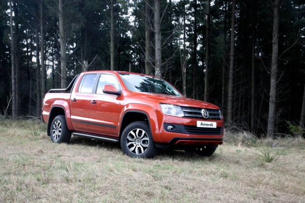 Volkswagen Amarok Canyon Special Edition front quarter
