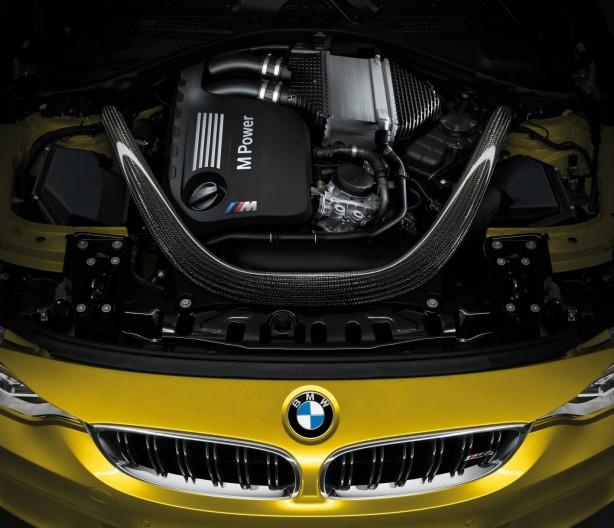 2014 BMW M4 Coupe TwinPower Turbo engine