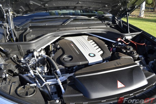 2014 BMW X5 M50d Tri-Turbo diesel engine