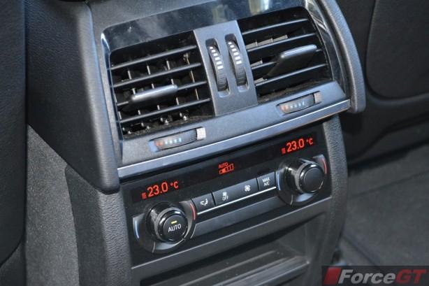 2014 BMW X5 M50d interior rear climate control