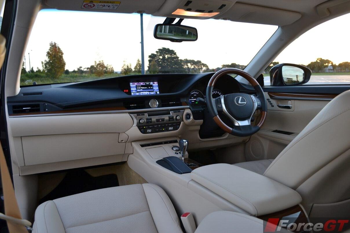 Lexus ES Review: 2014 Lexus ES 300h