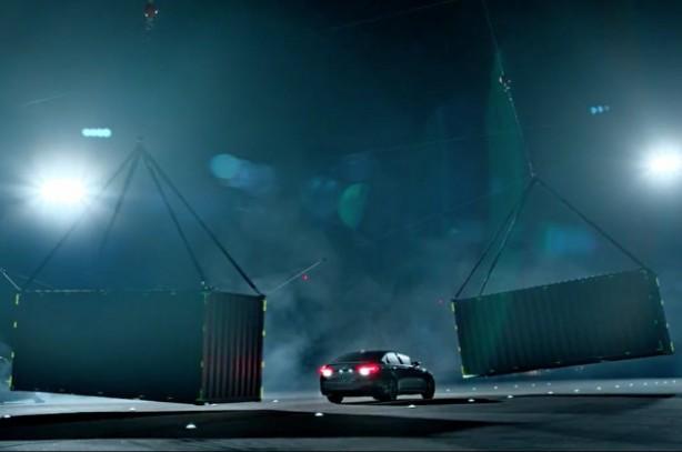 2015 Hyundai-Genesis-Gauntlet video