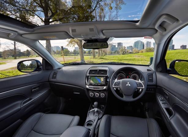 MY15 Mitsubishi ASX interior
