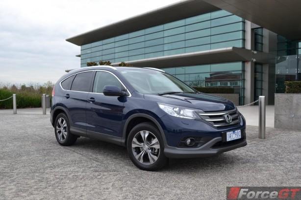 2014-Honda-CR-V-Diesel-front-quarter2