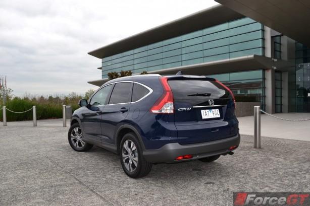 2014-Honda-CR-V-Diesel-rear-quarter