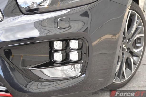 2014 Kia pro_cee'd GT Tech 'ice cube' LED DRL