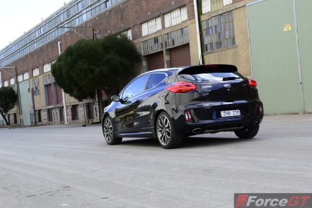 2014 Kia pro_cee'd GT Tech rear quarter rolling shot