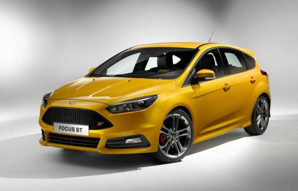 2015-Ford-Focus-ST-front-quarter
