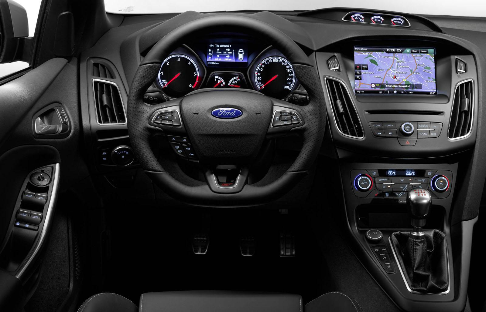 2015 ford focus st steering