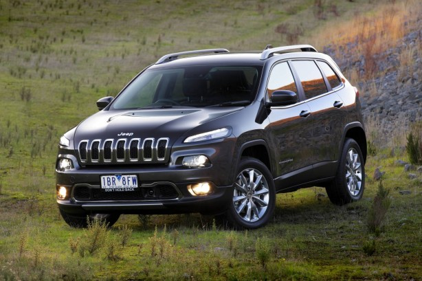 2015 Jeep Cherokee Limited front quarter
