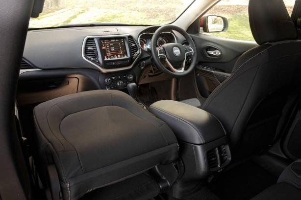 2015 Jeep Cherokee Longitute interior