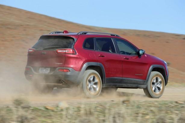 2015 Jeep Cherokee Trailhawk rear quarter