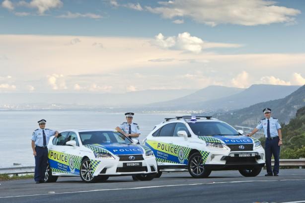 Lexus-NSW-Police-High-Vis-patrol-car3