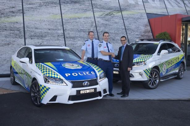 Lexus-NSW-Police-High-Vis-patrol-car5