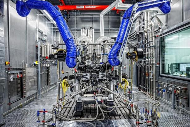 Mercedes-AMG-GT-engine-test