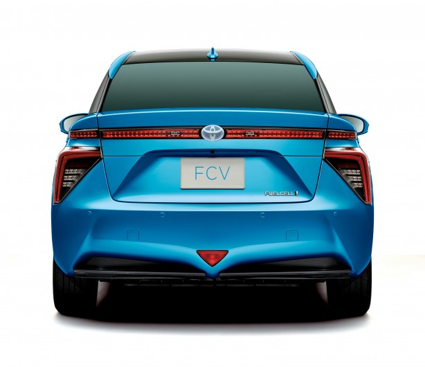 Toyota FCV_rearhr