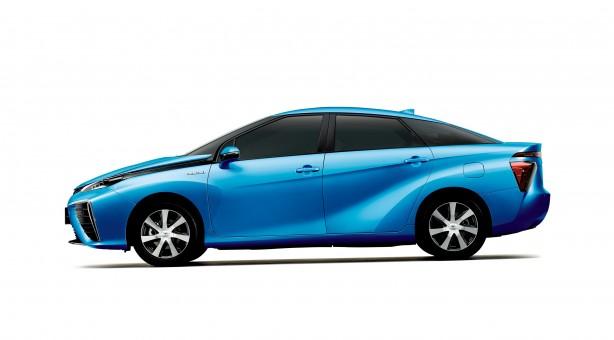 Toyota FCV_sidehr