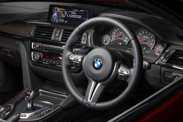 2014-BMW-M4-Coupe-dashboard