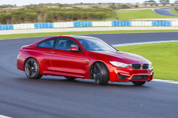 2014-BMW-M4-Coupe-power-slide