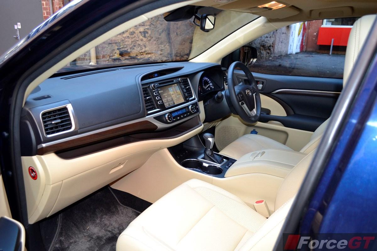 2014 Toyota Kluger Grande Interior Dashboard 1 Forcegt Com