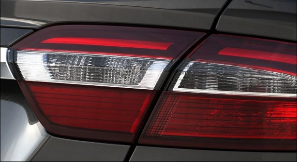2015-Ford-Falcon-facelift-teaser-taillight