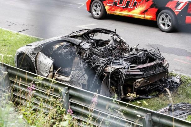 2015 Hond NSX prototype caught fire rear quarter