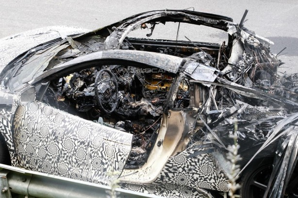 2015 Hond NSX prototype caught fire side