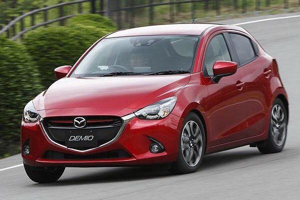 2015 Mazda2 leaked image front quarter