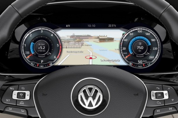 2015 Volkswagen Passat Sedan digital instruments
