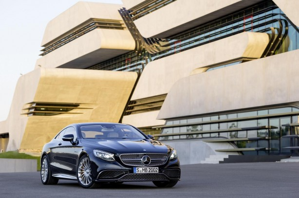 Mercedes-Benz-S65-AMG-Coupe-front-quarter