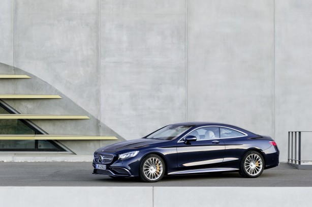 Mercedes-Benz-S65-AMG-Coupe-side