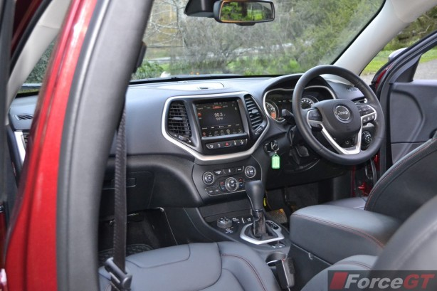 2014 Jeep Cherokee Trailhawk interior