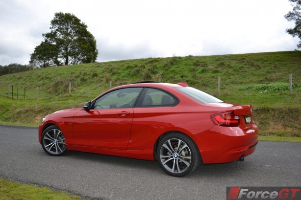 2014-bmw-2-series-side