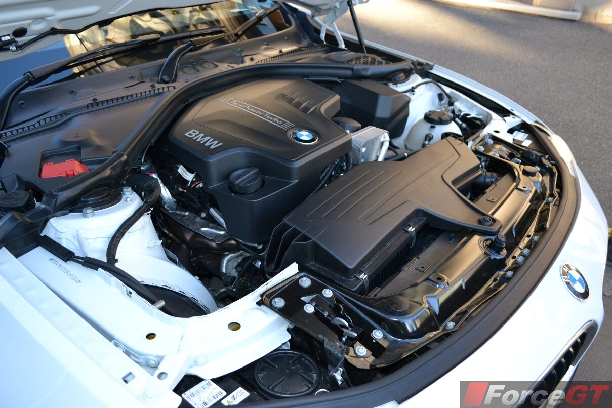 2014-bmw-4-series-coupe-engine-bay