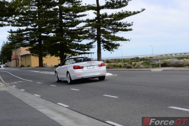 2014 BMW 4 Series Convertible rear rolling