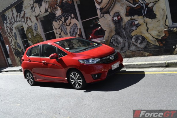 2014 Honda Jazz VTi-L front quarter