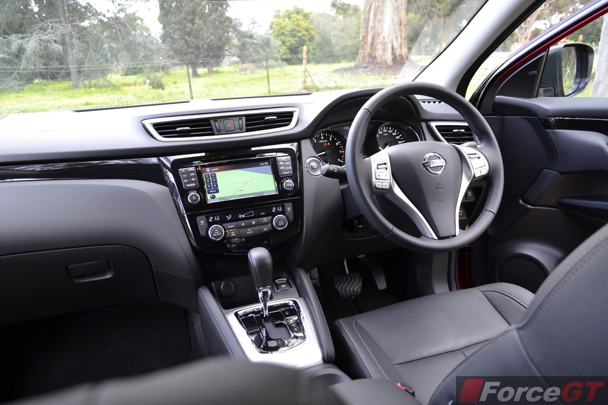 2016 Dodge Journey >> Nissan Qashqai Review: 2014 Nissan Qashqai