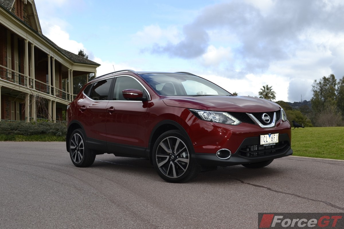 nissan qashqai review 2014 nissan qashqai. Black Bedroom Furniture Sets. Home Design Ideas