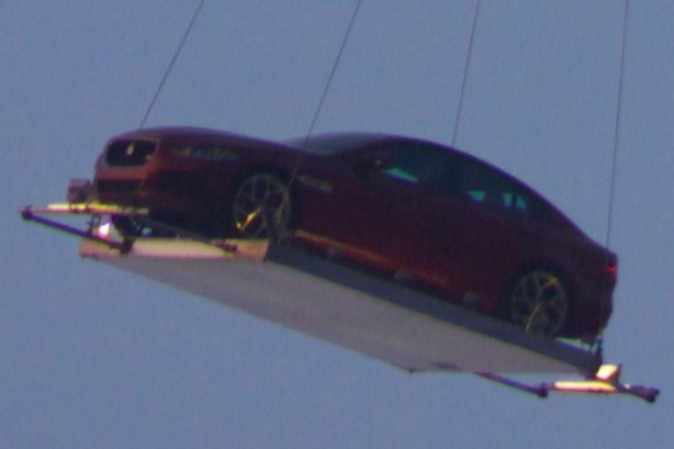 jaguar-xe-air-lifted-over-london-1
