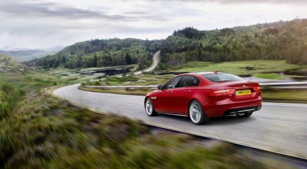 jaguar-xe-rear-quarter3