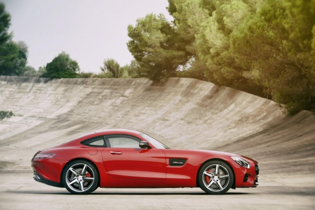mercedes-amg-gt-official-photo-side