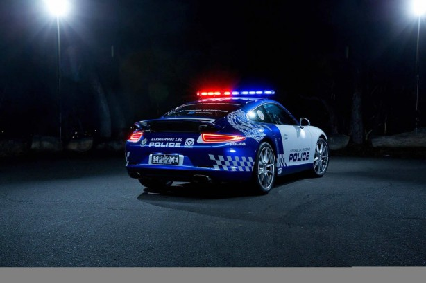 nsw-police-porsche-911-carrera-rear-quarter