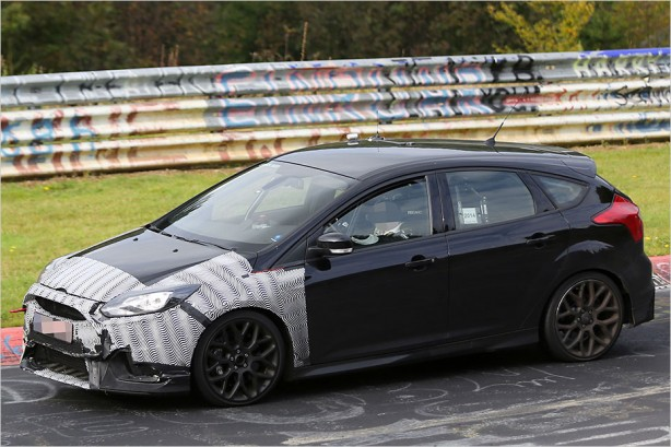2015-ford-focus-rs-prototype-side3
