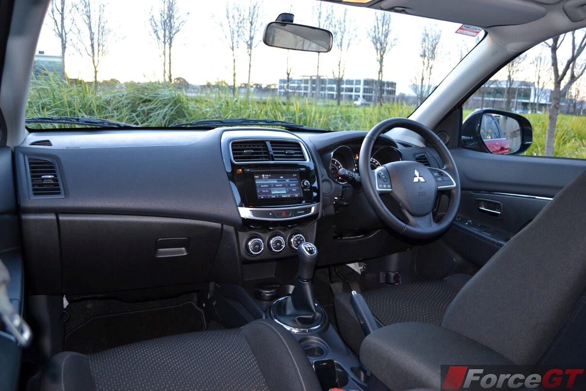Mitsubishi Asx Interior on 4 6 Triton Engine Review