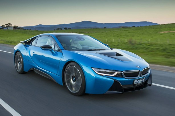 BMW i8 plug-in hybrid front quarter-1