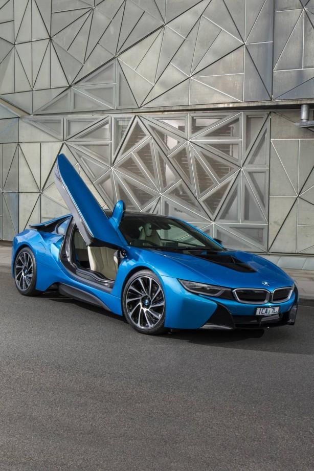 BMW i8 plug-in hybrid front quarter-3